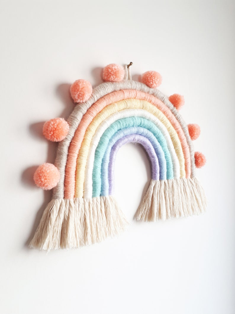 decoration rainbow en macramé